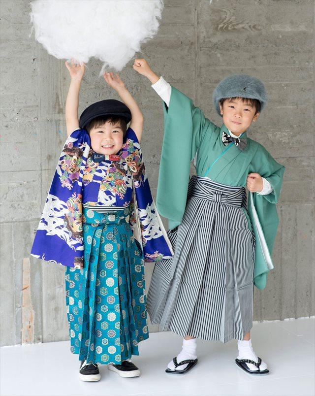 神戸の写真館で、可愛い着物の写真を残すなら【KOBE Motomachi SESSIONS】へ 着物を着た子どもの画像